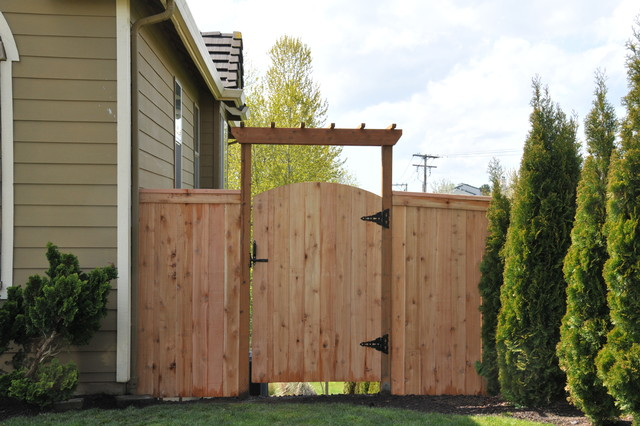 Top Cap With Fascia Cedar Fence With Arbor