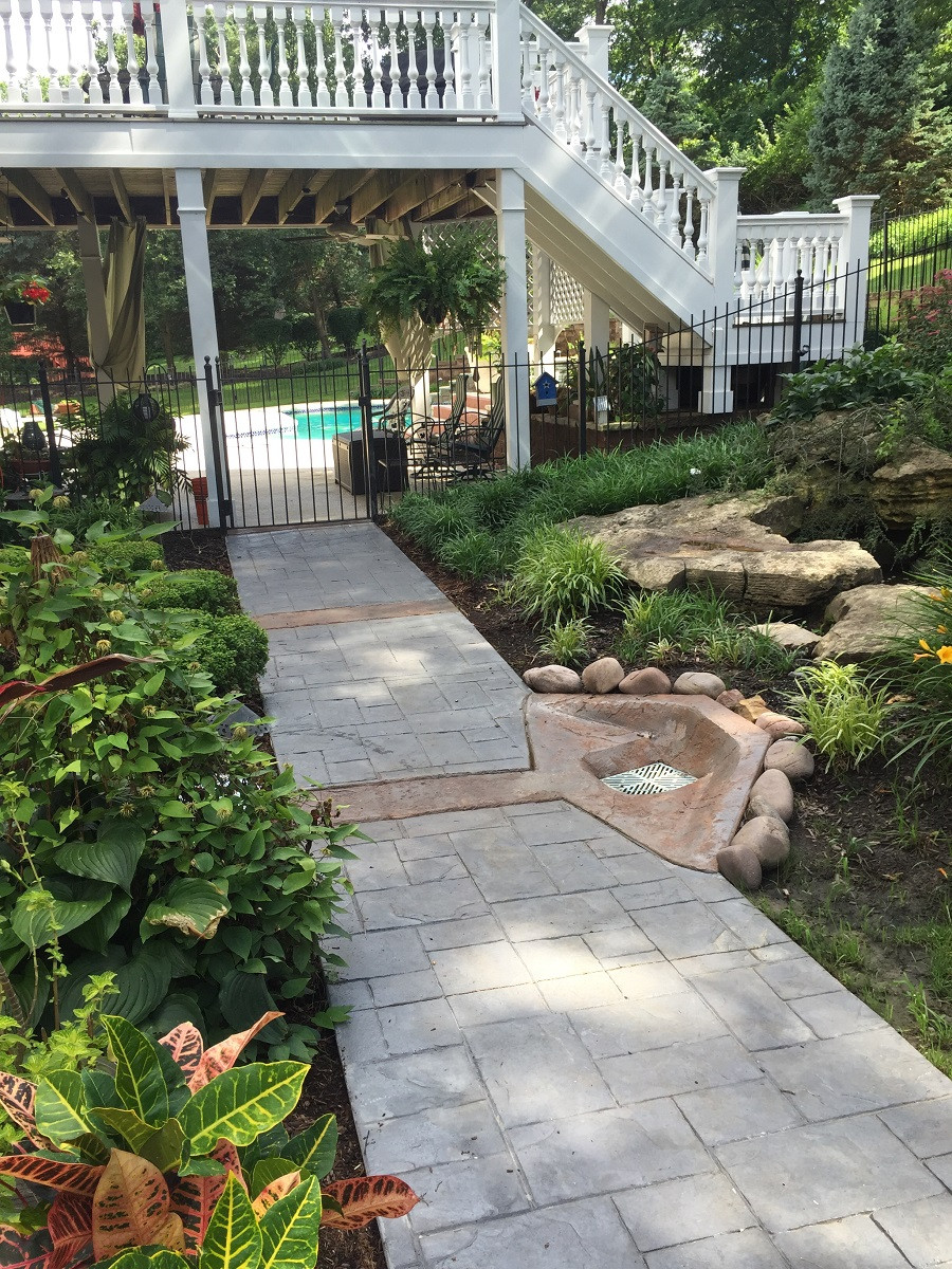 Town & Country, Missouri Stamped Concrete Walkway