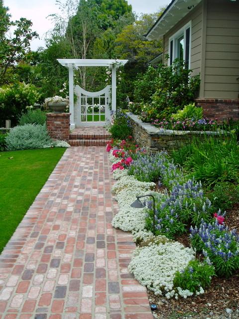 Traditional cottage garden rancho santa fe landscape brick for Cottage garden designs