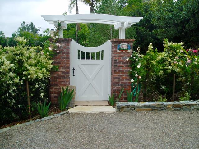 traditional cottage garden rancho santa fe landscape brick stone turfstone traditional-landscape