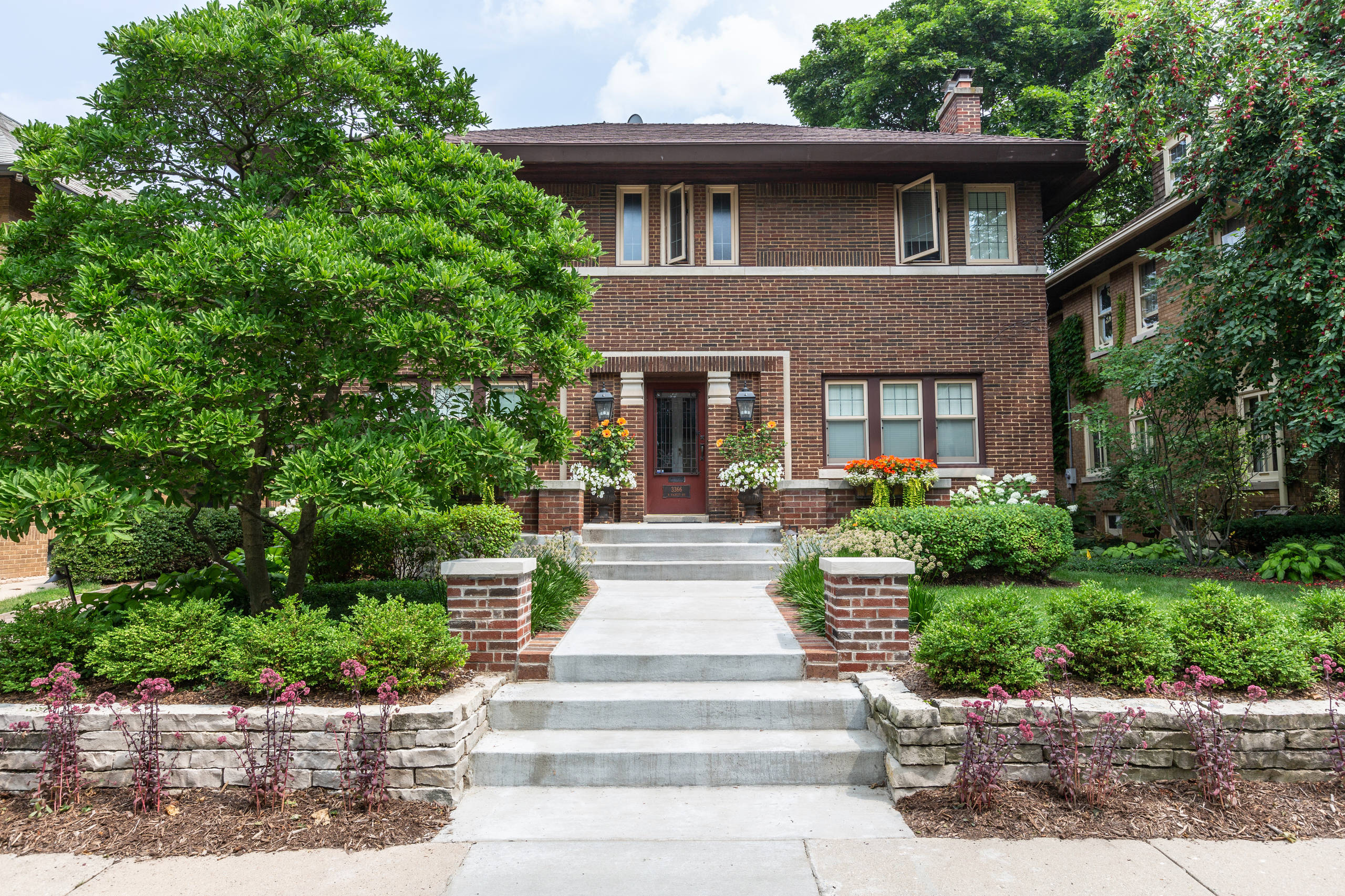 Traditional Front Landscape Renovation - Milwaukee