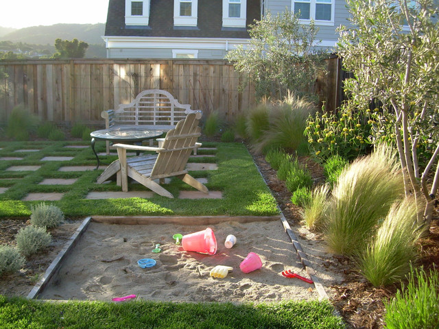 Kid friendly backyard traditional landscape san for Traditional landscape