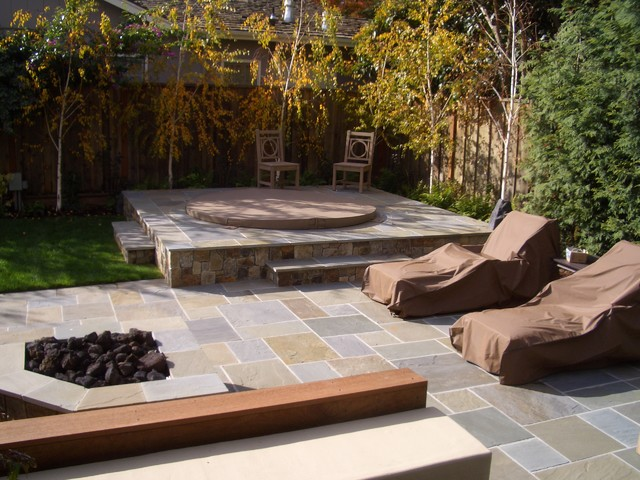 Inspiration For A Traditional Backyard Stone Landscaping In San Francisco.