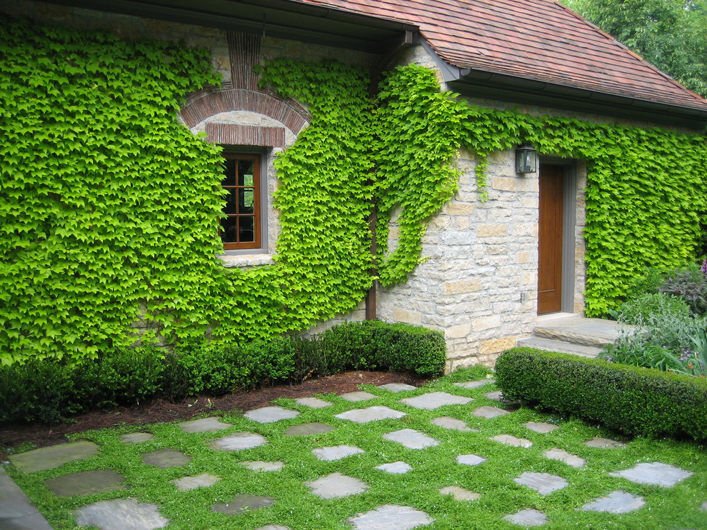 Design ideas for a traditional stone landscaping in Atlanta.