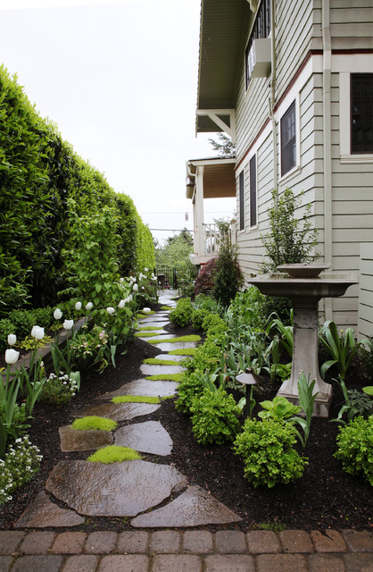 25 Ideas To Perk Up Your Side Yard