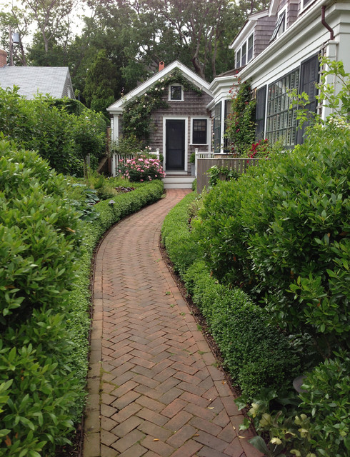 Landscape Paving 101 How To Use Brick For Your Path Or Patio
