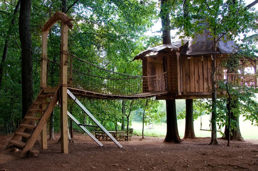 This is an example of a tropical outdoor playset in Philadelphia.