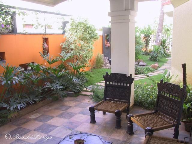 Tropical Backyard tropical-patio