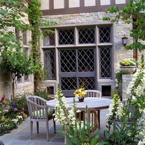 Tudor Restoration traditional-landscape