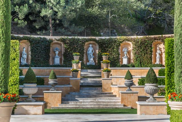 Tuscan villa mediterranean landscape los angeles for Garden design los angeles