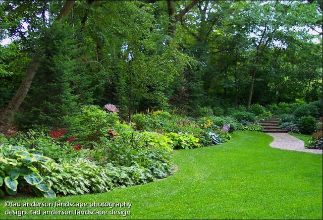 Twin cities suburban farmhouse glade gardens minnesota for Suburban garden design ideas