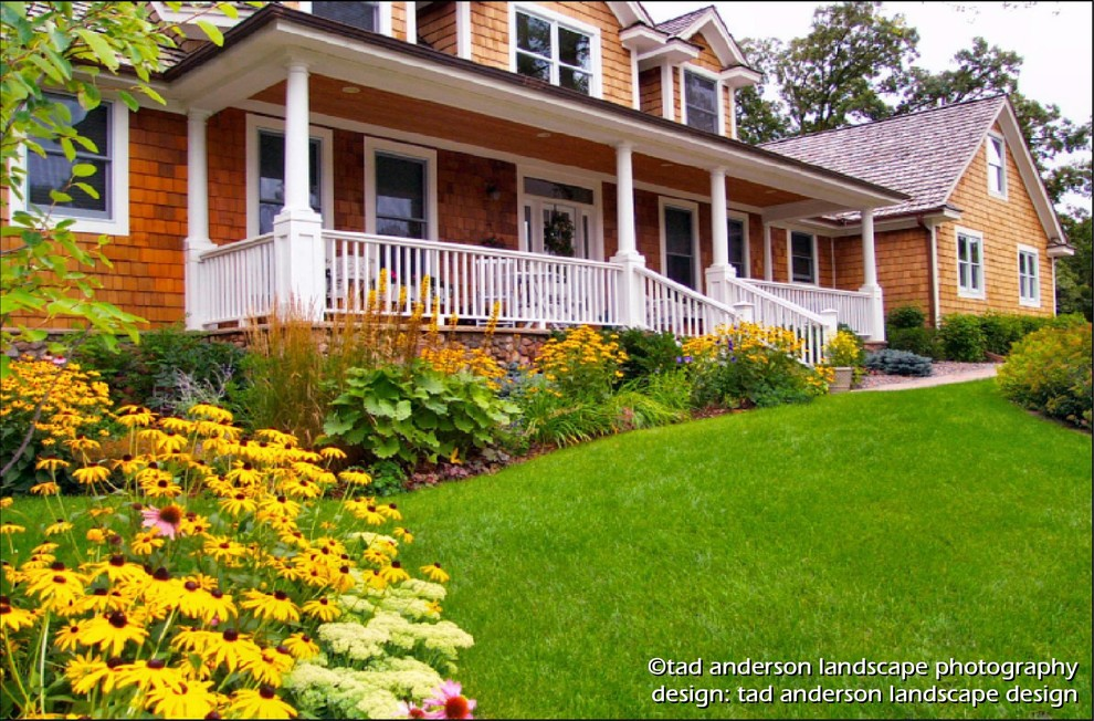 Twin Cities Suburban Farmhouse - Late Summer. Minnesota ...