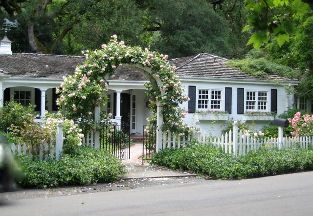 various gardens traditional landscape sacramento by pamela bateman garden design. Black Bedroom Furniture Sets. Home Design Ideas