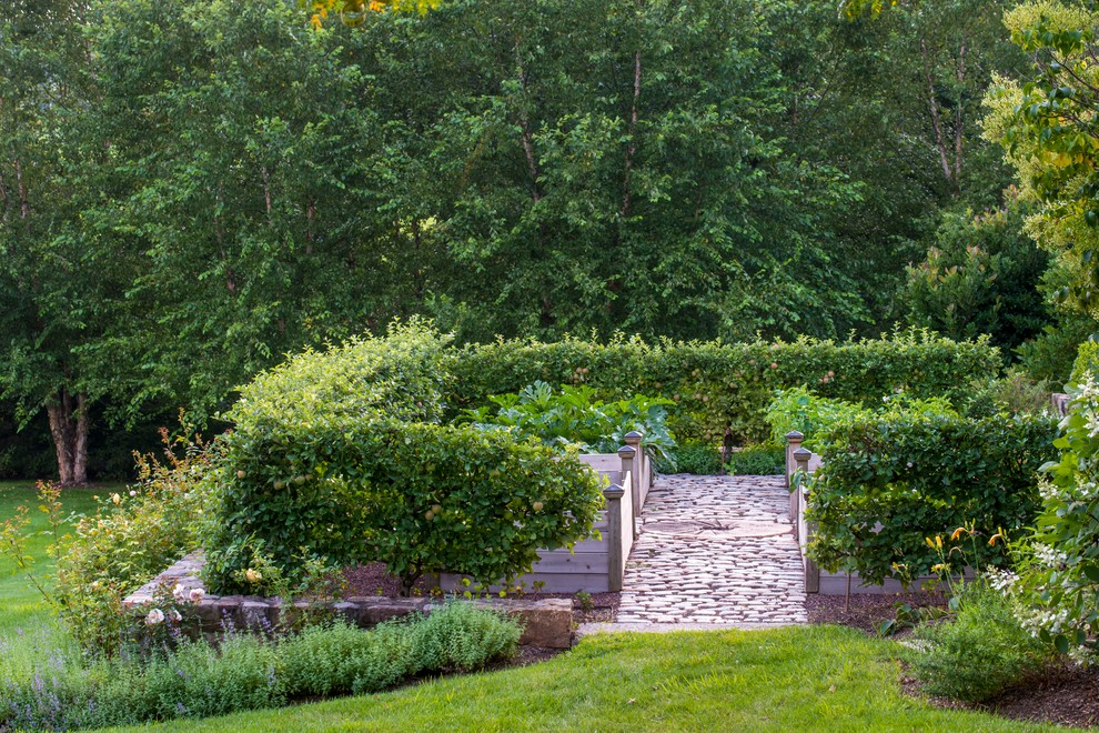 Inspiration for a traditional vegetable garden landscape in Philadelphia.