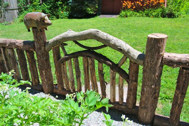 Vegetable Gardens traditional-landscape