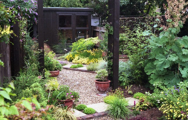 Very small xeriscape cottage garden for Very small garden designs