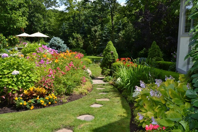Vibrant garden backyard traditional landscape other for Home garden design houzz