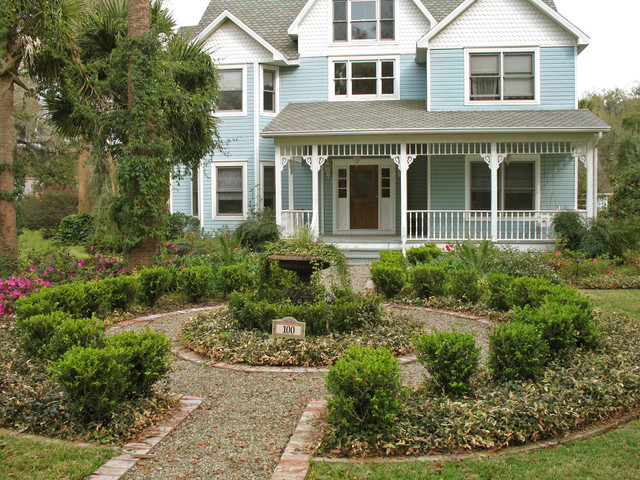 Victorian Style House and Formal Gardens traditional-landscape