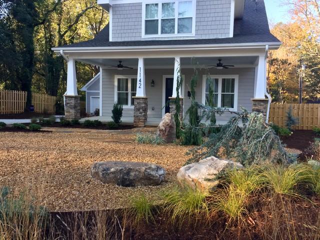 Villa Heights Craftsman Garden contemporary-landscape
