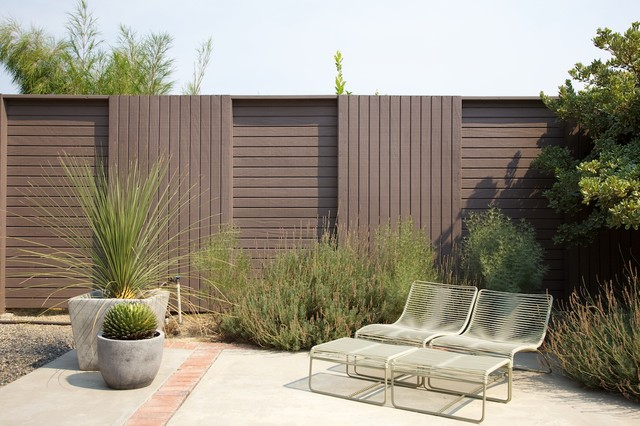Vintage outdoor lounge chairs with an interesting fence design vintage outdoor lounge chairs with an interesting fence design modern landscape workwithnaturefo