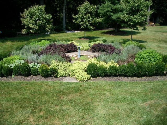 Weavers Plant Favorites traditional-landscape