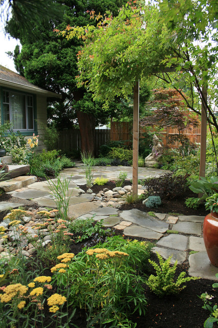 West Seattle Eco Friendly Home Patio And Pathway