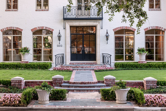 West university traditional garden houston by for Exterior worlds landscape design