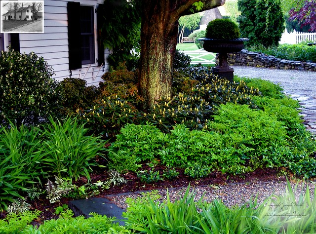 White Theme Garden in Warwick, NY traditional-landscape
