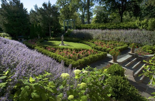 Wilmette, Illinois Historic Formal Garden traditional-landscape