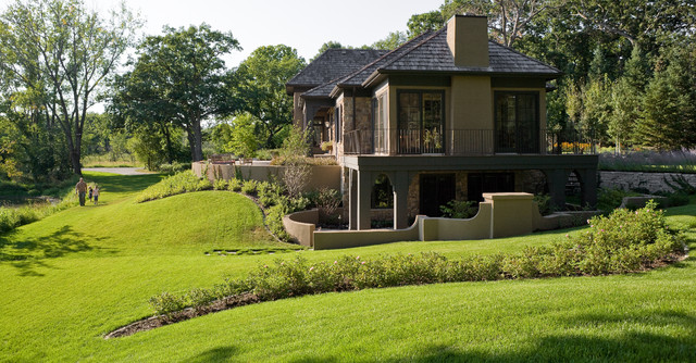 Inspiration for a huge traditional side yard landscaping in Minneapolis.