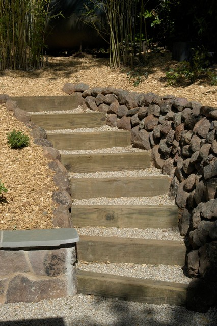 Wood And Gravel Acess Steps Traditional Landscape