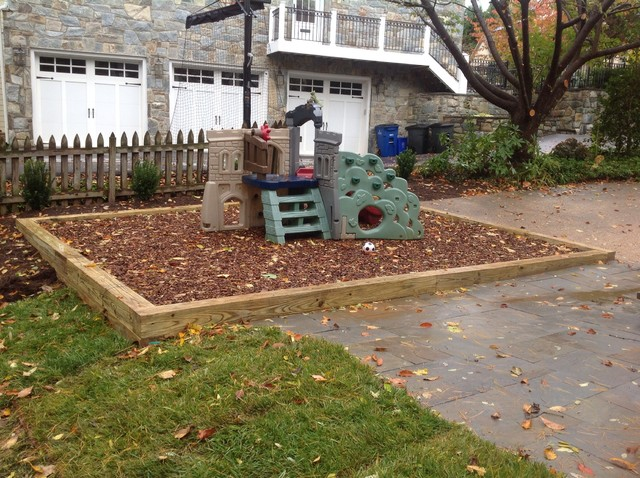 Landscaping With Wood Mulch : Wood chip play area traditional landscape other by