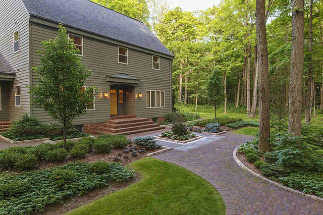 Woodland oasis traditional landscape milwaukee by for Houzz landscape architects