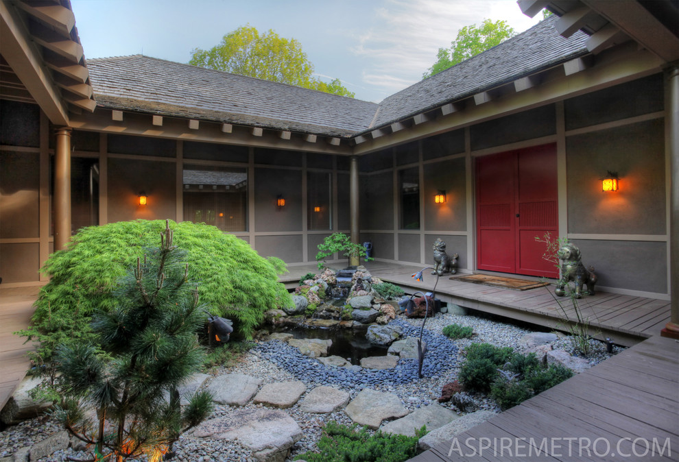 Inspiration for an asian landscaping in New York.