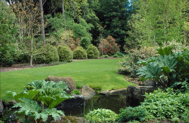 Woodside Estate traditional-landscape