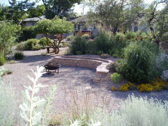 Xeric ridgecrest traditional landscape albuquerque for Landscaping rocks albuquerque