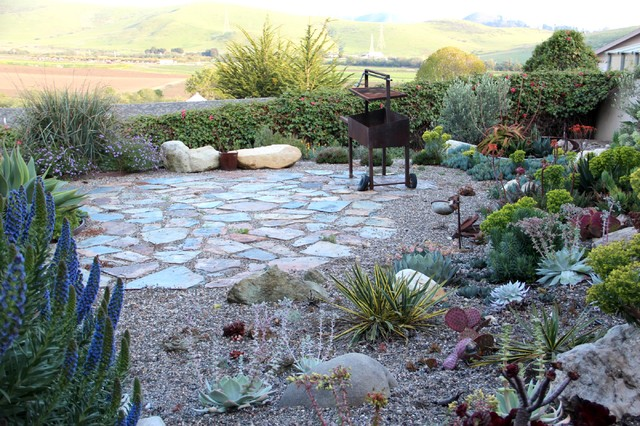 Small patio decorating ideas - Yosemite Slate Patio Mediterranean Landscape Other Metro By