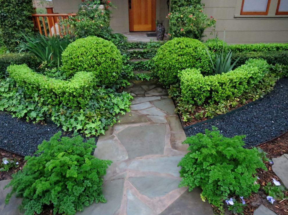 Design ideas for a rustic landscaping in Houston.