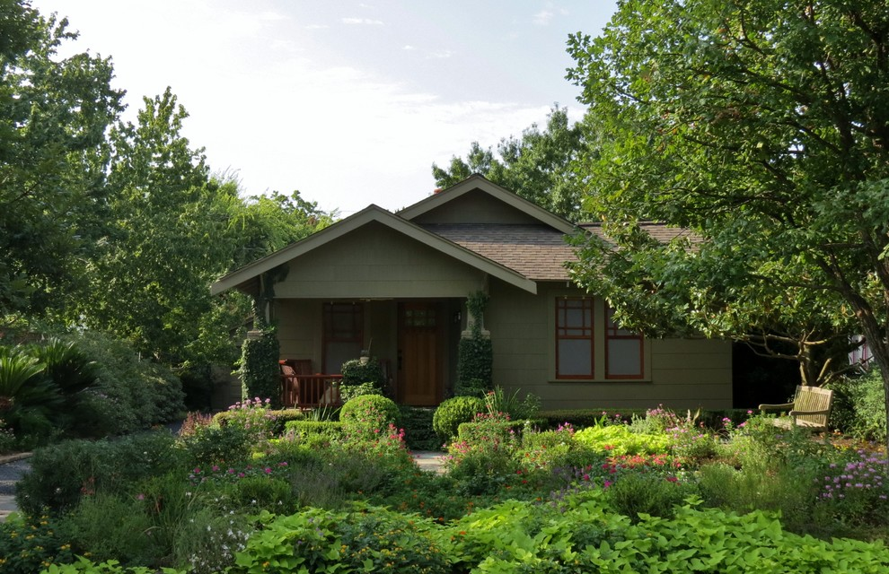 Inspiration for a craftsman landscaping in Houston.