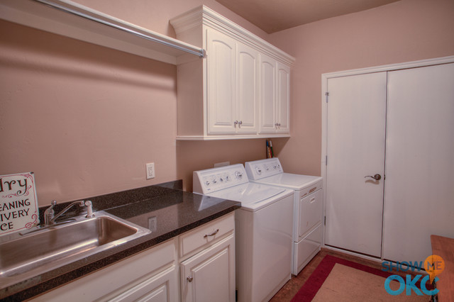 11325 Old River Trail traditional-laundry-room
