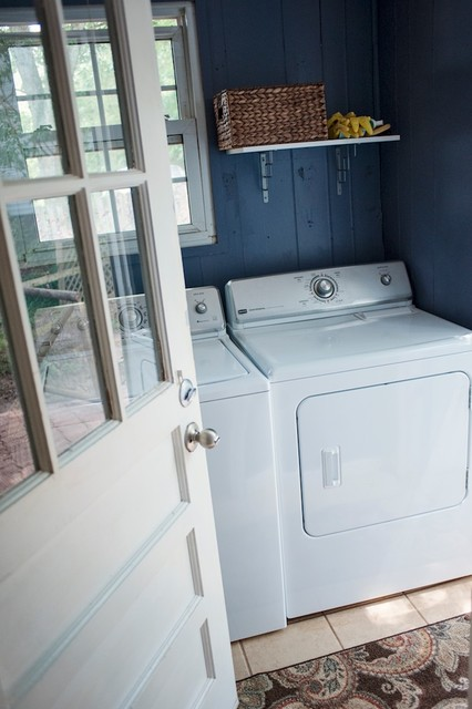 200 W Hillcrest Drive traditional-laundry-room