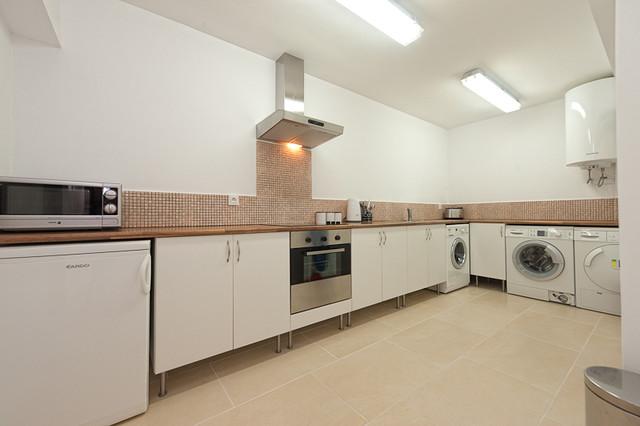 Bahia de Marbella Basement Conversion modern-laundry-room