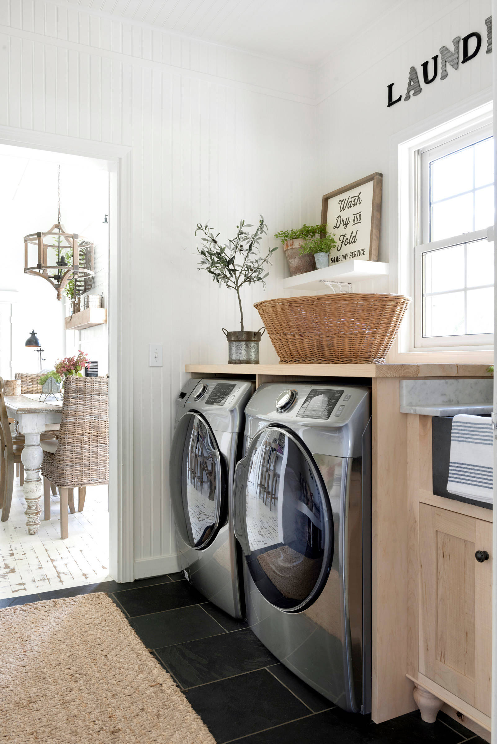 75 Beautiful Farmhouse Laundry Room With Light Wood Cabinets Pictures Ideas October 2020 Houzz