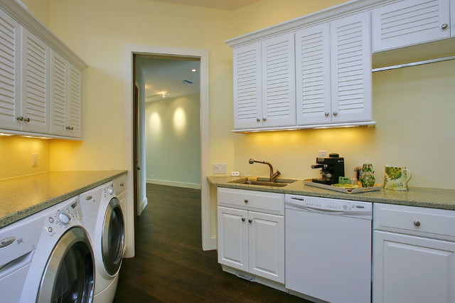 Brunswick 231C & Louver, Florida - Greenfield Cabinetry traditional-laundry-room