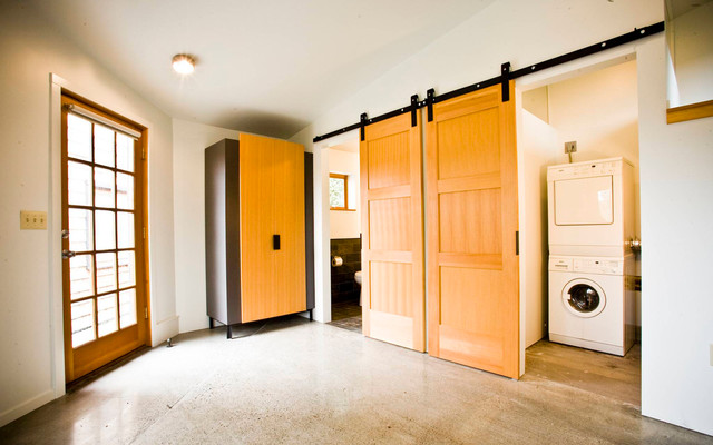 Central District Guest House and Garage contemporary-laundry-room