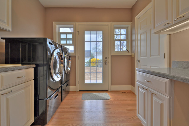 Central Ohio Kitchen and Laundry/Workroom Addition traditional-laundry-room