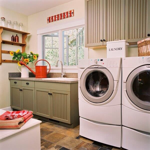 Country cottage kitchen for Country laundry room
