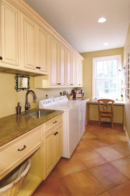 Cubbage Laundry Room - Traditional - Laundry Room - dc metro - by Cameo Kitchens, Inc.
