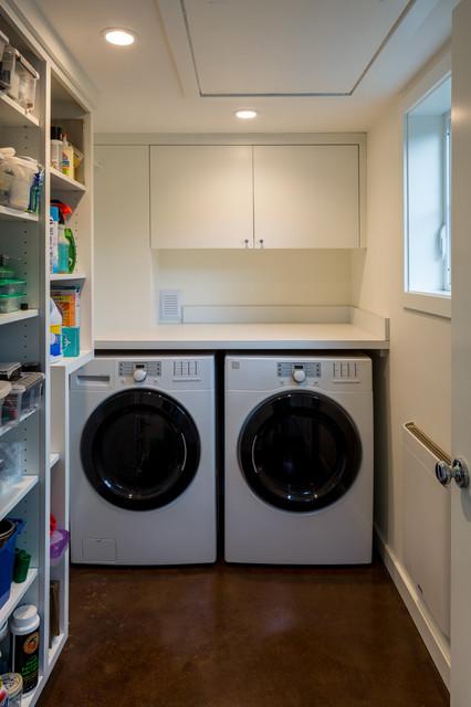Cully Accessory Dwelling Unit Modern Laundry Room