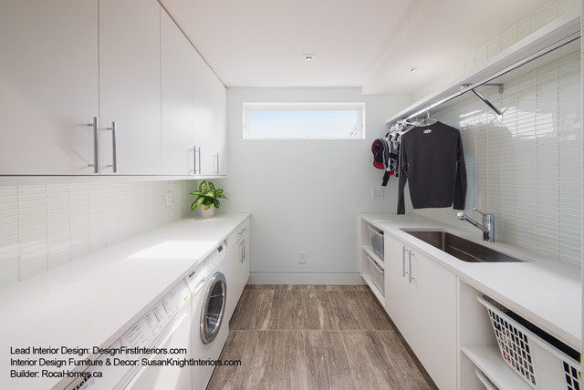 Custom Canal Condo Contemporary Laundry Room Ottawa